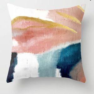 Set of 2 Throw Pillows